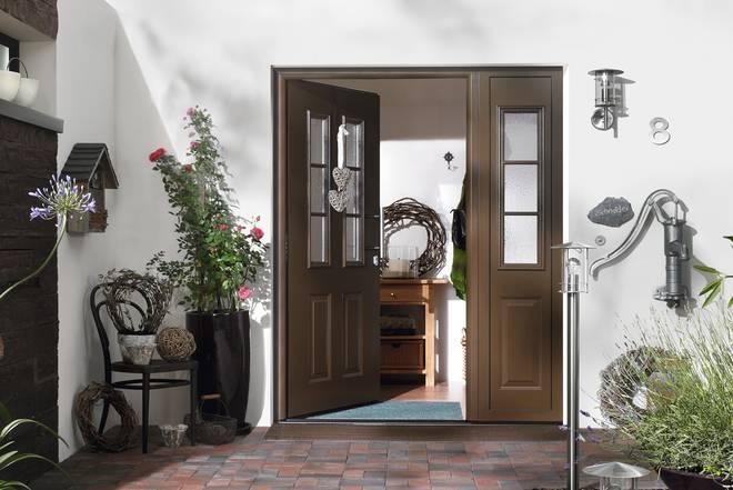 so verleihen sie ihrem hauseingang eine pers nliche note gestaltung rund um die haust re bauwiki. Black Bedroom Furniture Sets. Home Design Ideas