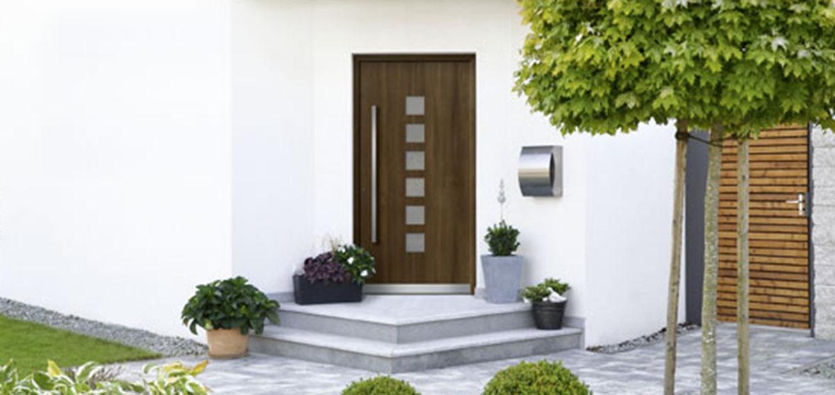 aluminium haust r in holzoptik bauwiki. Black Bedroom Furniture Sets. Home Design Ideas