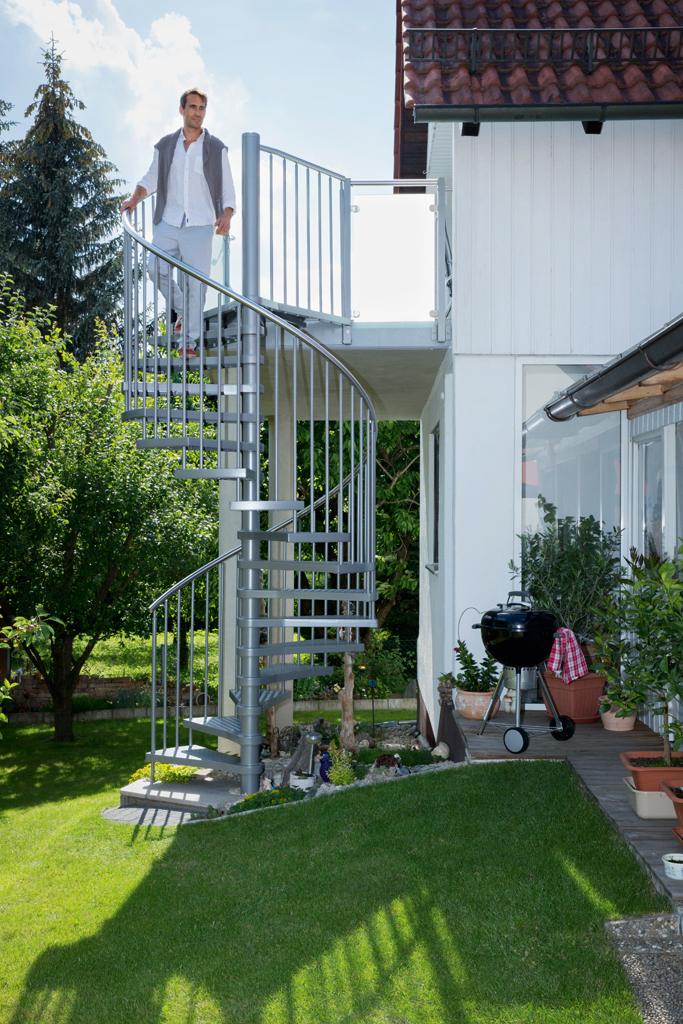 aluminium spindeltreppe f r den au enbereich bauwiki. Black Bedroom Furniture Sets. Home Design Ideas